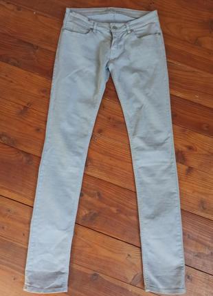 Светло серые джинсы с низкой посадкой