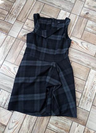Дуже гарне фірмове плаття S