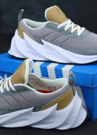 Женские кроссовки adidas sharks.