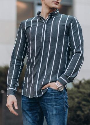 Приталенная мужская рубашка серая в полоску
