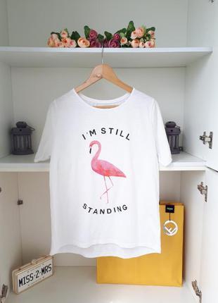 Белая футболка с розовым фламинго