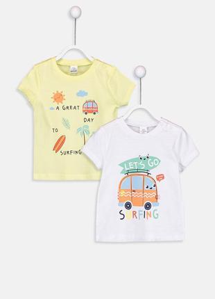 Милый набор футболок на малыша