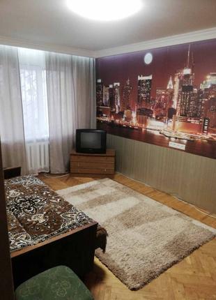Двухкомнатную квартиру на проспекте Добровольского