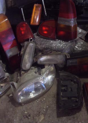 Задний фонарь форд эскорт фара подфарники галагенки