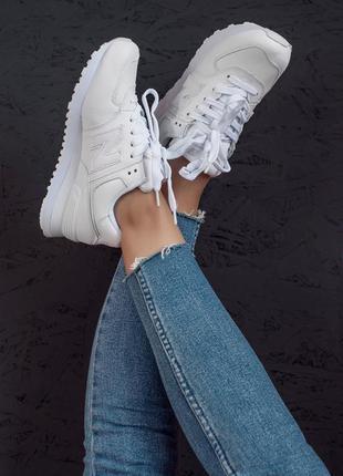 Стильные белые женские кроссовки new balance 574