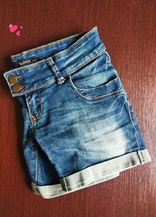 Шорты джинсовые короткие с потертостями, молодежная одежда