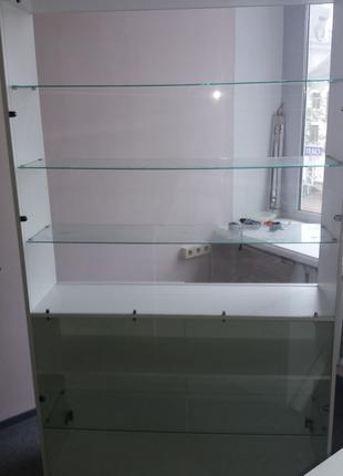 Торгово-выставочный офисный белый шкаф