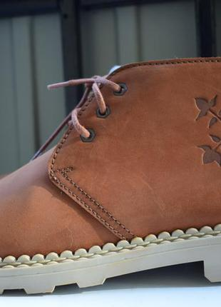 Стильные кожаные ботинки демисезонные полусапоги
