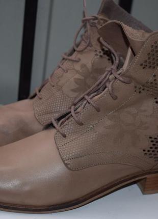 Кожаные демисезонные ботинки ботильоны