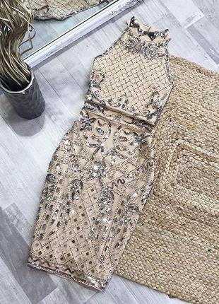 Шикарное платье в пайетки бисер по фигуре на подкладке вечерне...