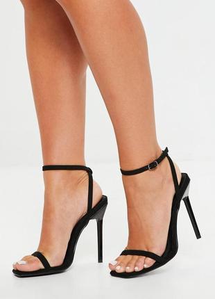 Босоножки на каблуке с тонкими ремешками missguided