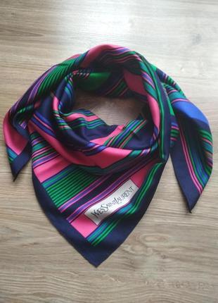 Яркий шелковый платок от yves saint laurent