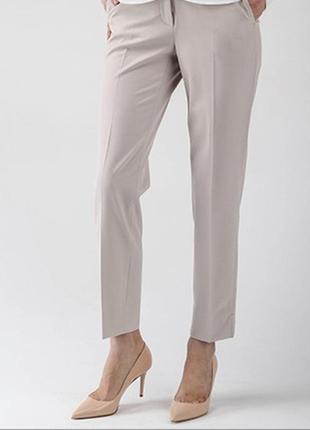 Бежевые шерстяные брюки от burberry