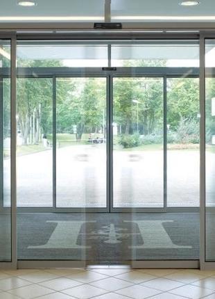 Автоматическая раздвижная дверь с приводом Tormax iMotion 2202