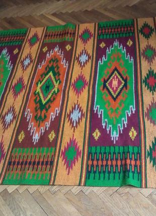 Новий шерстяний, гуцульський килим.