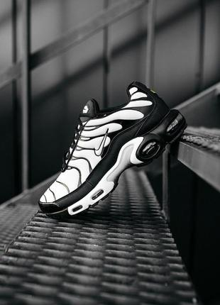 Nike air max plus tn white/black