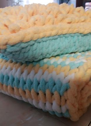 Комплект: дитячий плед + подушка