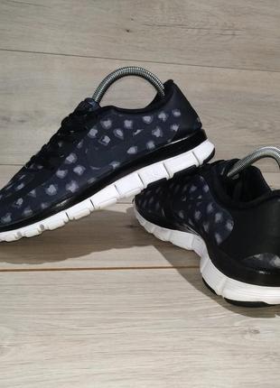 Кроссовки Nike, размер 40