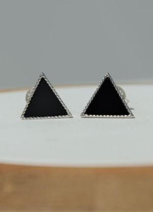 Серьги с черным треугольным камнем серебряные серьги треугольники