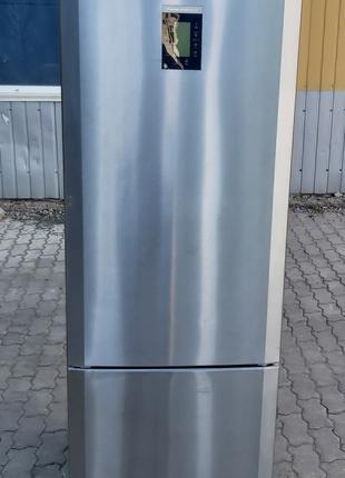 Холодильник Либхер LIEBHERR CBNes 3956 сухой заморозкой no frost