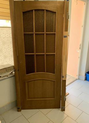Двері міжкімнатні дерев'яні .