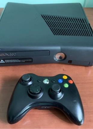 Xbox 360 Slim Freeboot куча игр