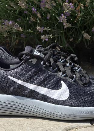 Беговые кроссовки Nike WMNS Lunarglide