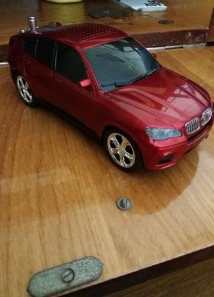 Колонка у формі машини BMW X6