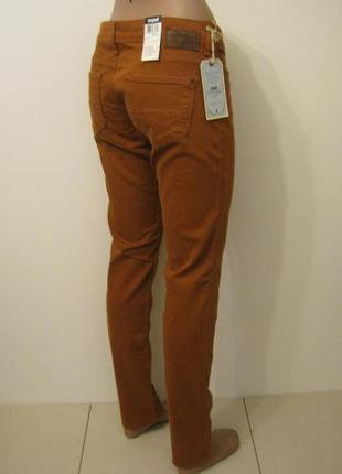 Джинсы новые + 2000 позиций магазинной одежды