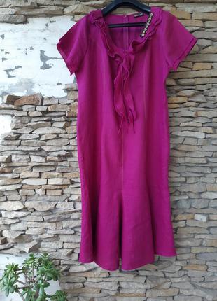 Шикарное с украшением и красивой горловиной льняное платье бол...