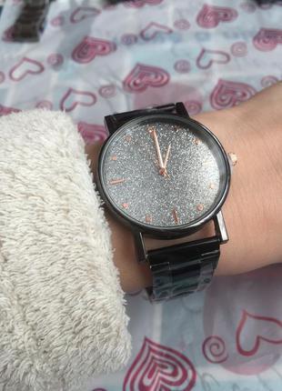 Часы женские наручные золотистые чёрные серебристые