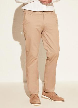 Новые летние джинсы чиносы стильные мужские бежевые от известн...