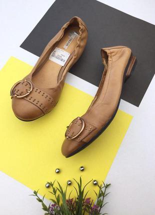 Кожаные туфли балетки от geox