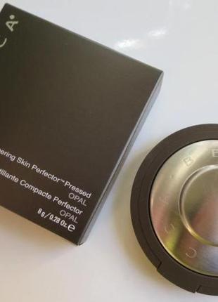Пудра-хайлайтер BECCA Shimmering Skin Perfector Presse