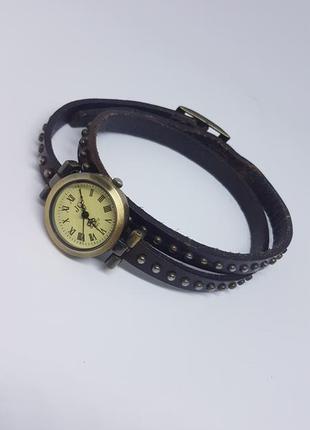 Ретро / винтажные женские наручные часы