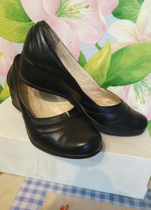Туфли кожаные, натуральная кожа, удобные на танкетке, туфлі ни...