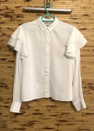 Модная блузка рубашка с воланами на рукавах h&m белого цвета