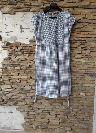 Очень милое в клеточку с карманами платье большого размера