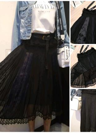 Стильная тонкая лёгкая черная юбка трапеция миди