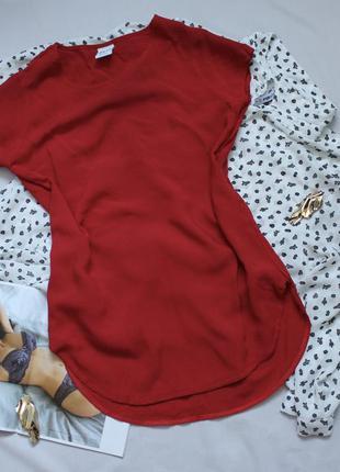 Красная футболка размер с