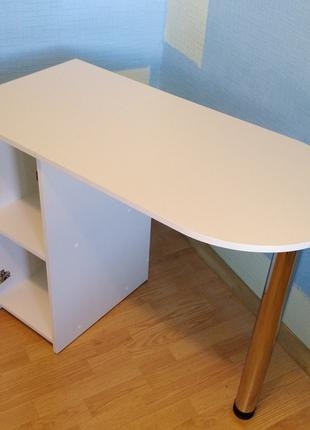 Отличный маникюрный стол , стол для маникюра ,письменный стол