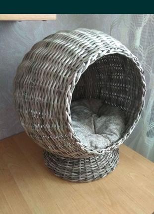 Домик, лежанка для кота