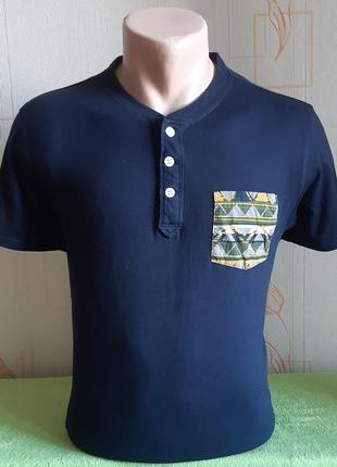 Модная футболка с карманом на груди hollister made in vietnam