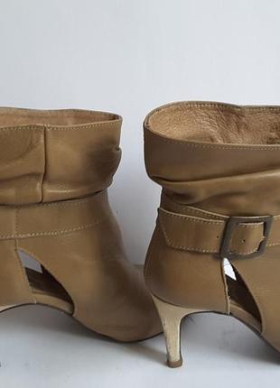 Крутые кожаные ботинки stradivarius,35 размер , испания ,strad...