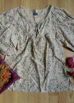 Блуза в квіти