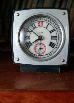 Продам настольные часы будильник
