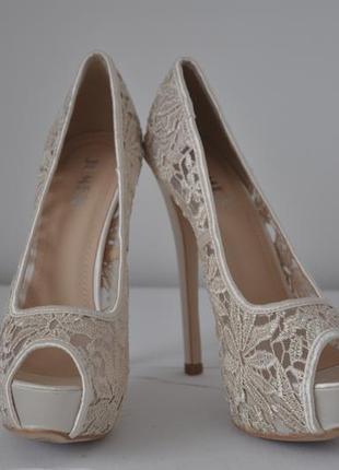 Элегантные туфли с кружевом в цвете айвори от jumex