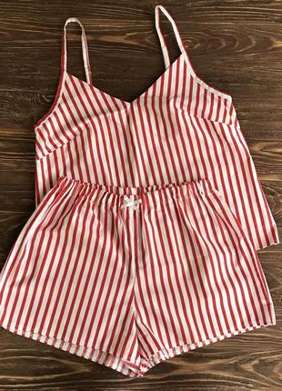 Пижама в красную полоску