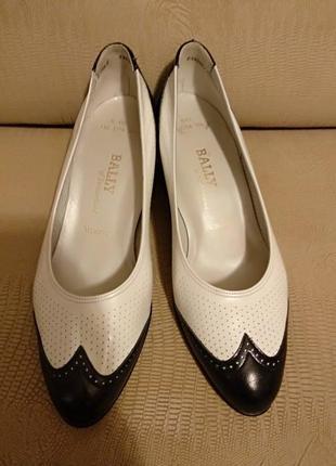 Туфли кожаные  bally