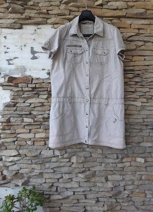 Стильное джинсовое с карманами и надписью платье рубашка больш...